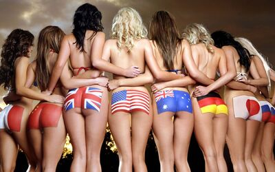 Imagen etiquetada con: 8 girls, Ass - Butt, Body painting