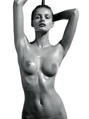 Imagen etiquetada con: Black and White, Edita Vilkevičiūtė, Art, Boobs, Celebrity - Star, Tummy