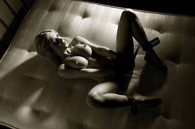Imagen etiquetada con: Black and White, Blonde, Busty, Bondage, Boobs