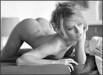 Imagen etiquetada con: Black and White, Blonde