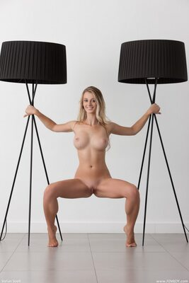 Imagen etiquetada con: Blonde, Busty, Carisha, Femjoy, I Want To Play, Boobs