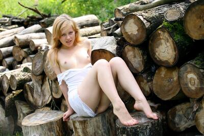 Imagen etiquetada con: Allusive, Blonde, Kelly D, MET Art, Nature