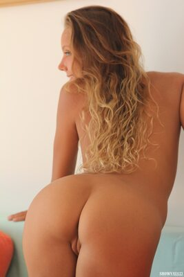 Imagen etiquetada con: Skinny, Blonde, Katya Clover - Mango A, Ruddy Pie, Showy Beauty, Ass - Butt